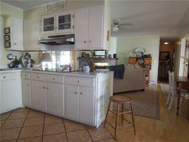 dacke kitchen island 9 kitchen with island open to family room steve davoli 3076